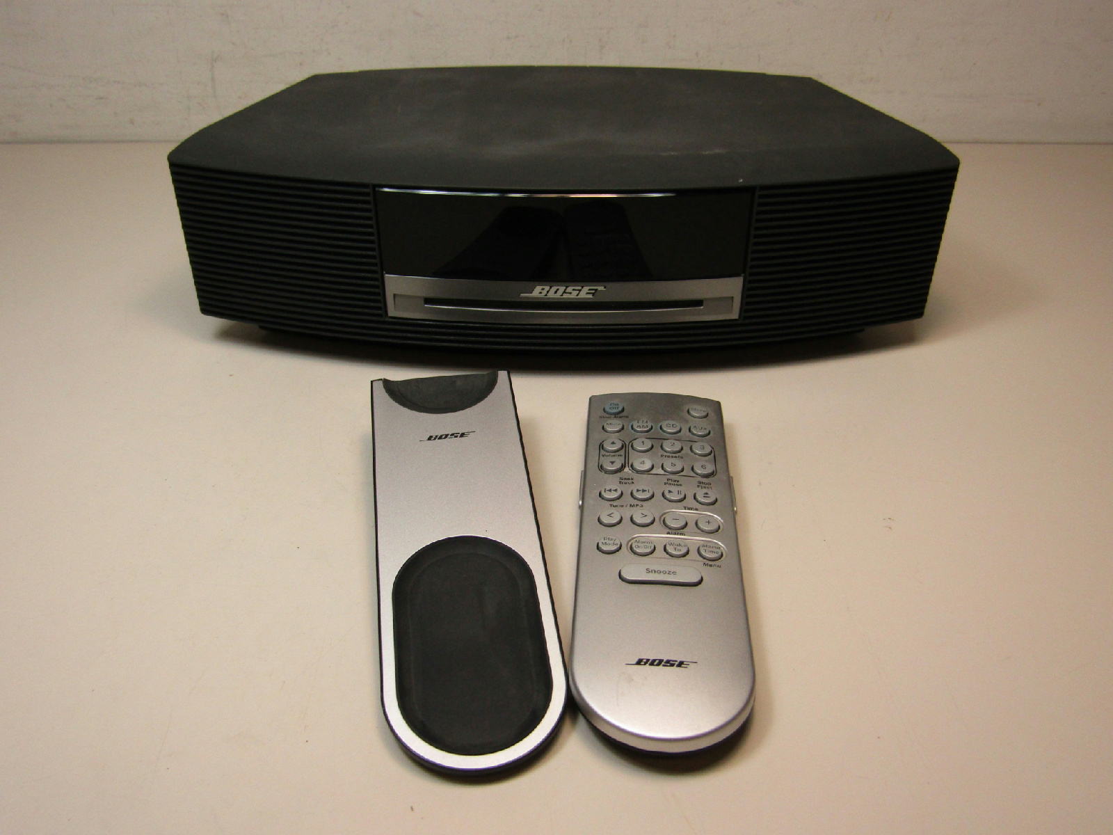 bose wave music system awrcc1 black tested works w remote. Black Bedroom Furniture Sets. Home Design Ideas
