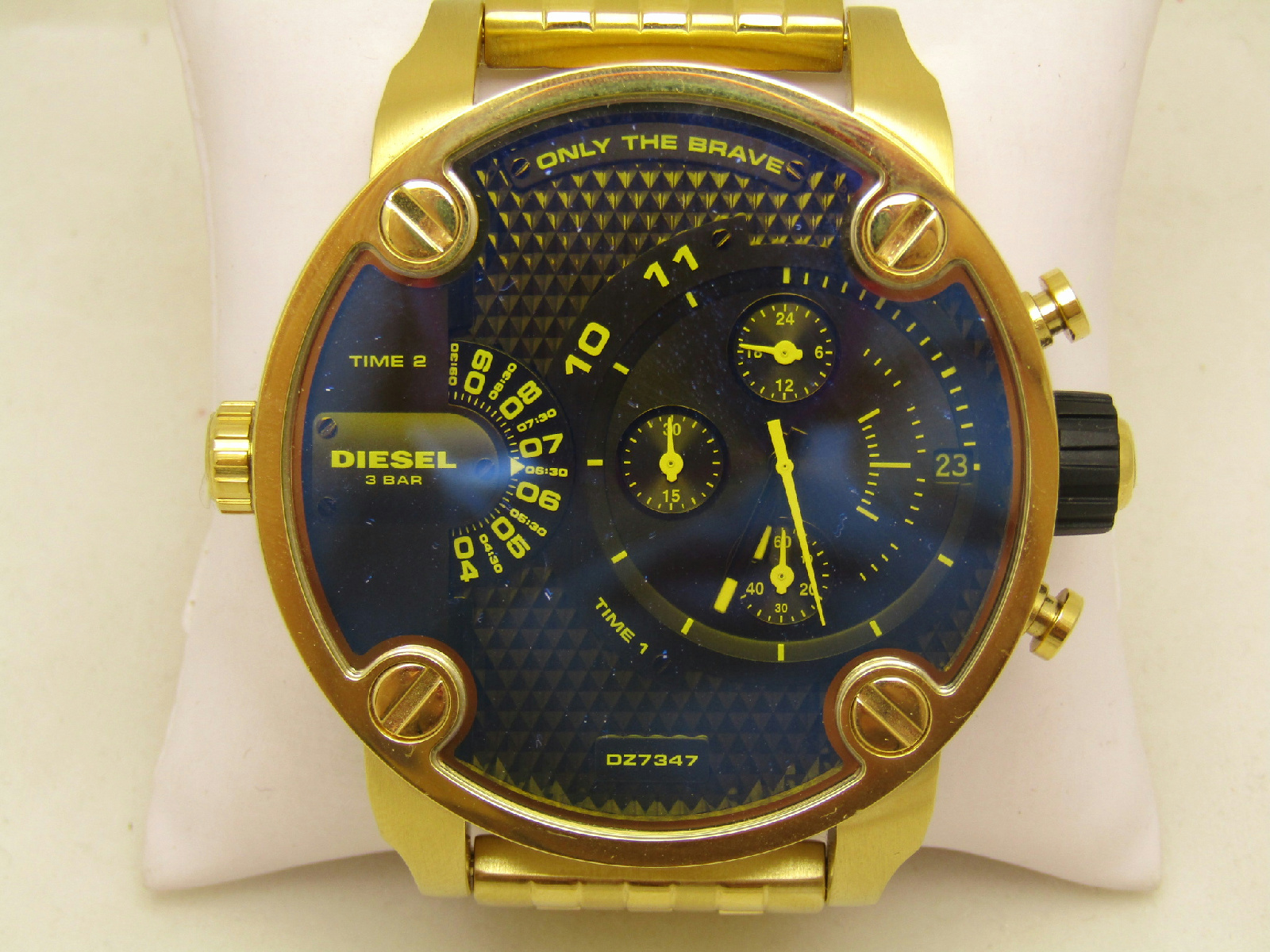 diesel 3 bar dz 7347 gold tone chronograph mens jewelry. Black Bedroom Furniture Sets. Home Design Ideas