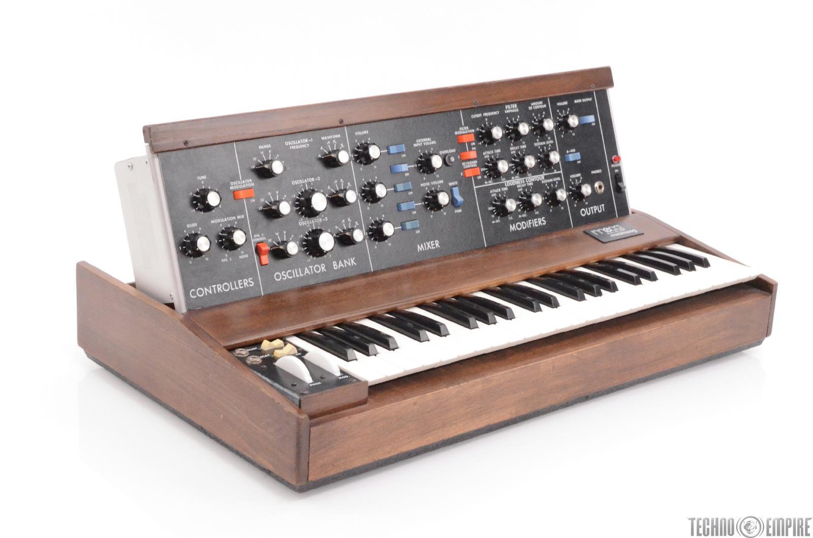 Moog Minimoog Model D Synthesizer Fairfax Recordings #28561
