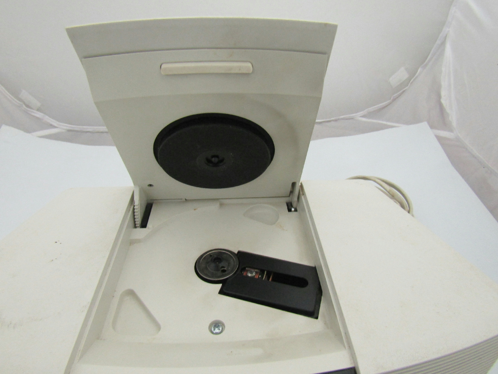 bose wave radio cd player alarm clock white model awrc 1p ebay. Black Bedroom Furniture Sets. Home Design Ideas