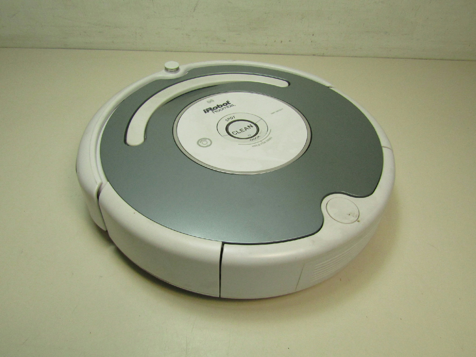 irobot roomba model 665 vacuum cleaning robot unit only untested as is ebay. Black Bedroom Furniture Sets. Home Design Ideas