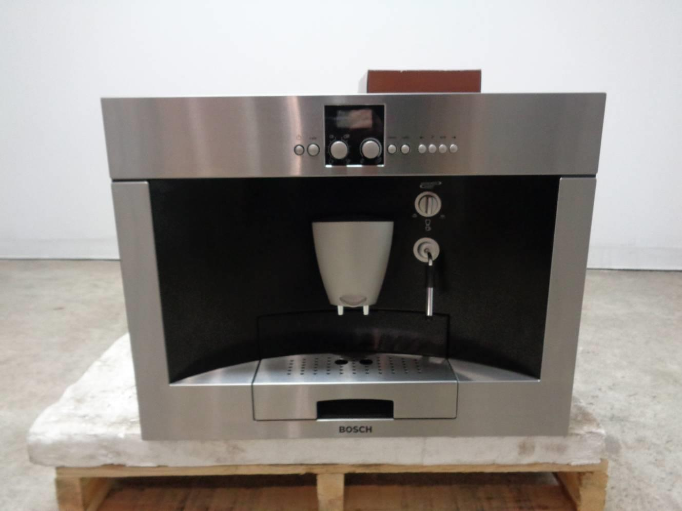 Built In Coffee Maker Bosch : BOSCH TKN68E75UC 24
