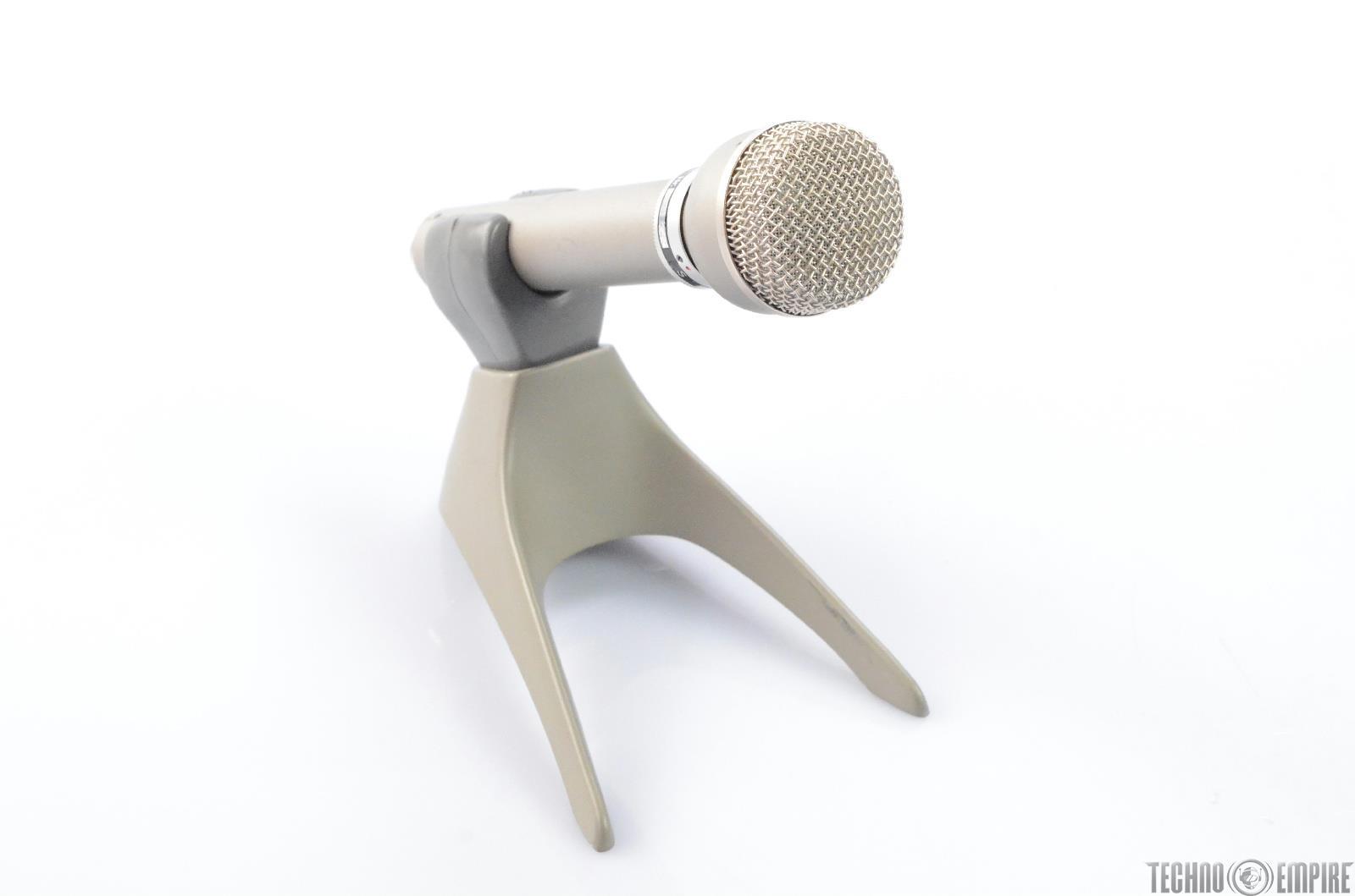 AKG D19 C/200 Cardioid Dynamic Microphone w/XLR Cable Fairfax Recordings #27918