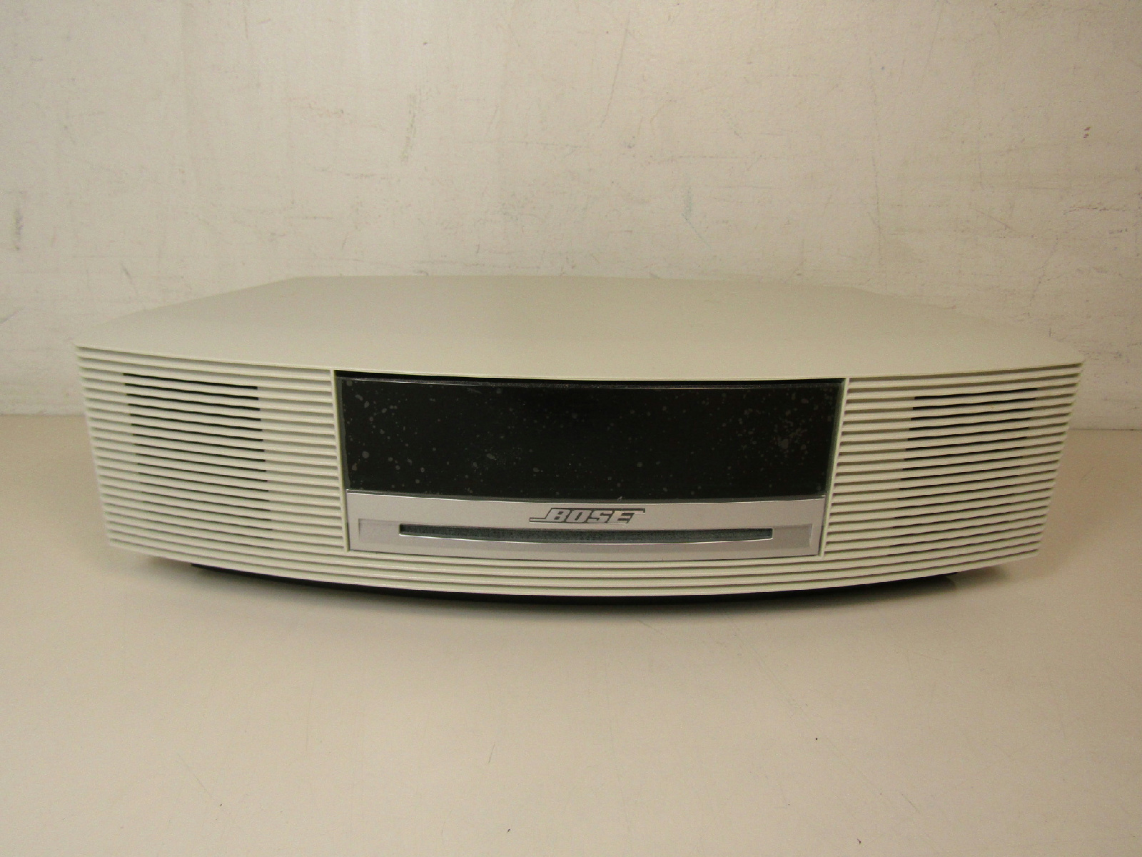bose wave music system iii radio cd player white w remote. Black Bedroom Furniture Sets. Home Design Ideas