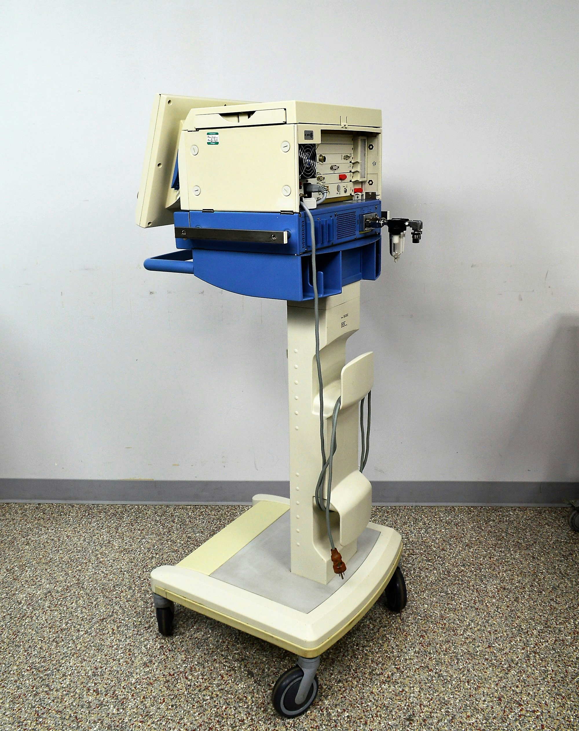 Drager Evita XL Ventilator W/ Neoflow Respiratory Neonatal Pneumatic Aid