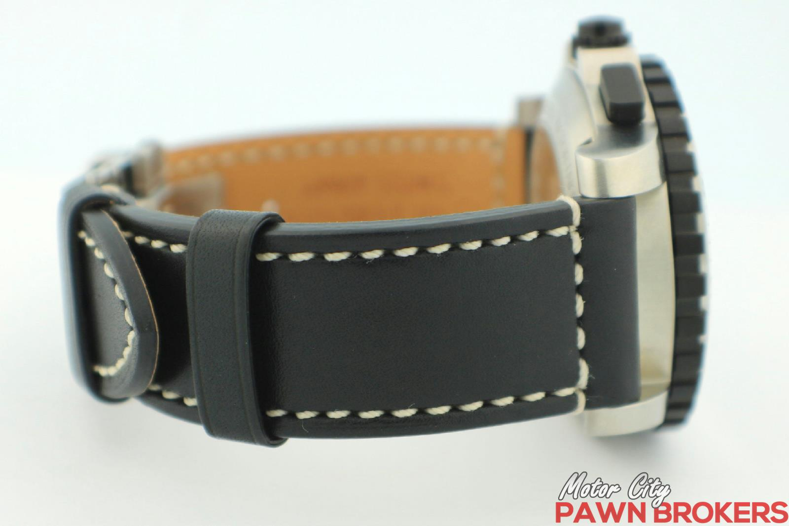 Victorinox swiss army alpnach 241195 43mm black dial for Motor city pawn brokers roseville mi