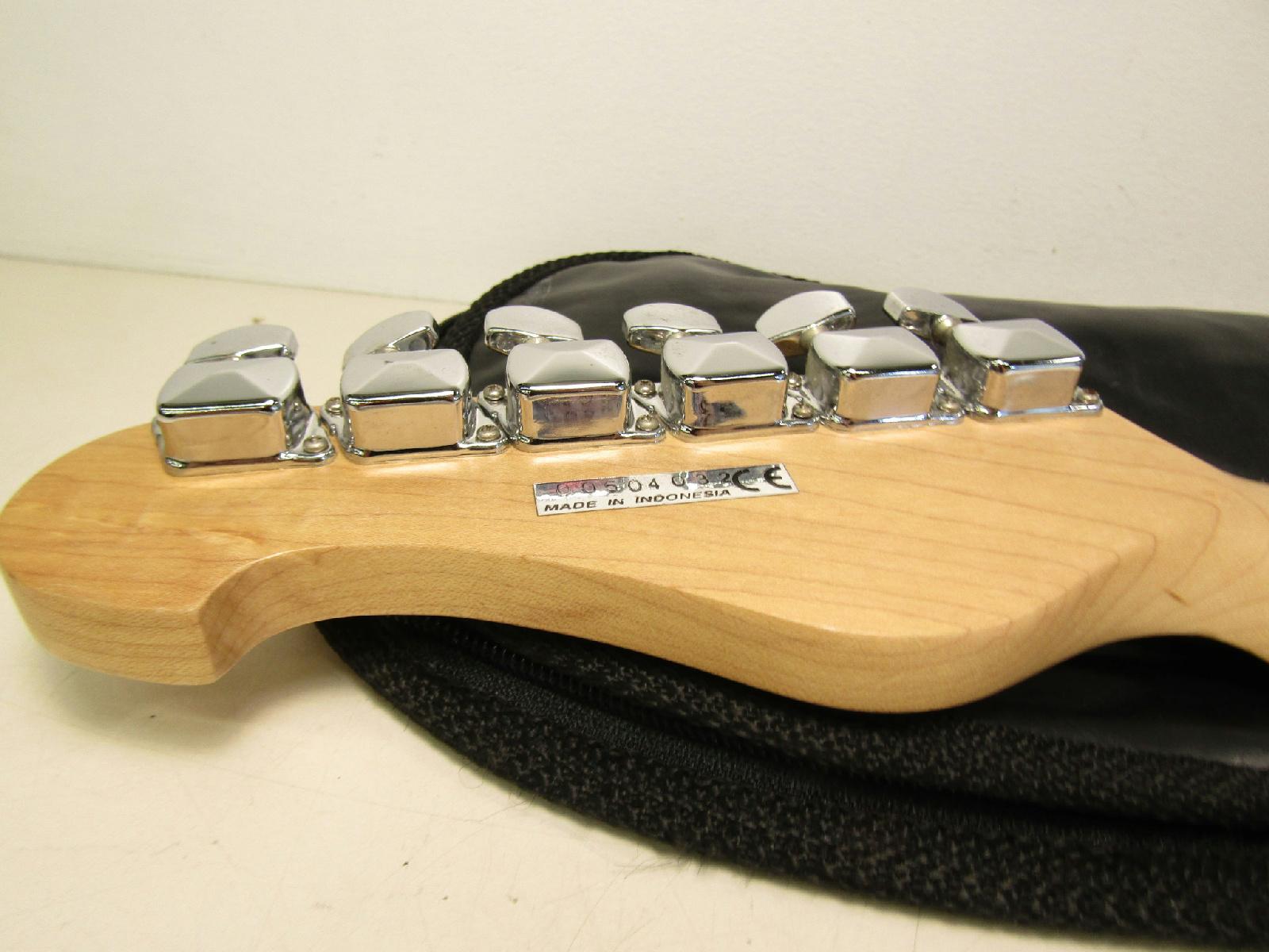 yamaha eg 112 electric guitar 6 string musical instrument. Black Bedroom Furniture Sets. Home Design Ideas