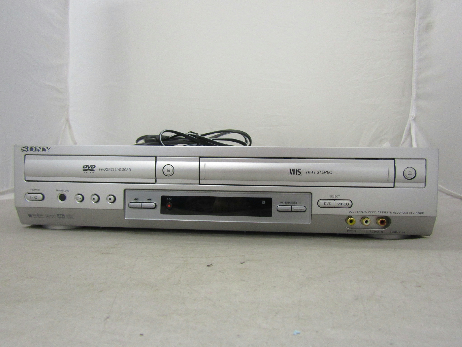 how to connect video cassette recorder to tv