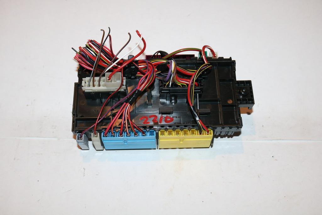14-14 mercedes cla 250 4matic 2 0l under hood relay fuse box block #2210