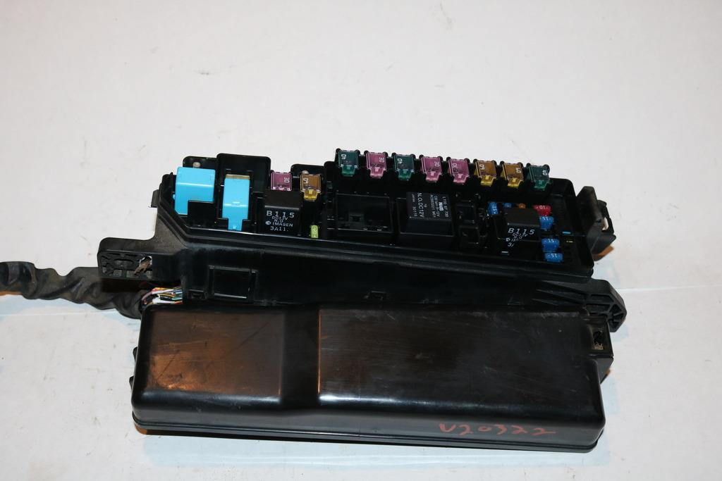 9906 Mazda Mpv Lx Fwd V6 Cyl 30l Under Hood Relay Fuse Box Block Rhebay: Mazda Mpv Fuse Box At Gmaili.net