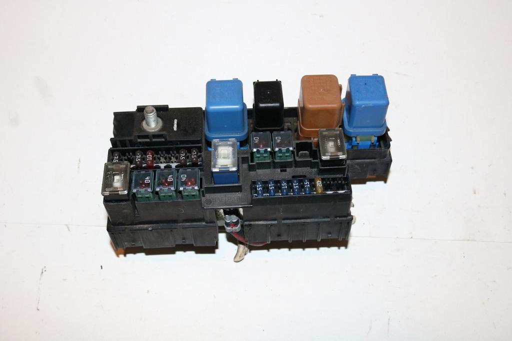 00 04 nissan xterra xe 4wd v6 mt 3 3l under hood relay fuse boxdetails about 00 04 nissan xterra xe 4wd v6 mt 3 3l under hood relay fuse box block 2336