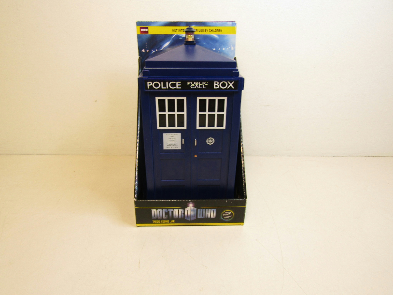 Doctor who tardis cookie jar police box lights and sounds needs battery cad picclick ca - Tardis cookie jar ...