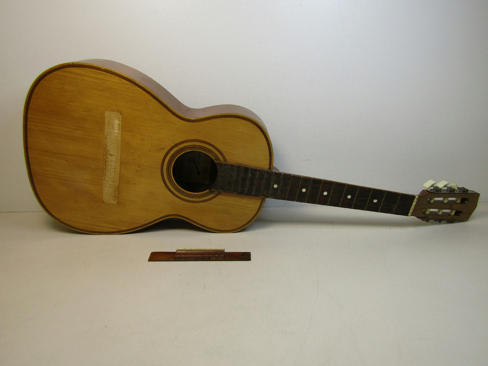 giannini tranquillo model no 2 acoustic guitar made in brazil parts repair ebay. Black Bedroom Furniture Sets. Home Design Ideas