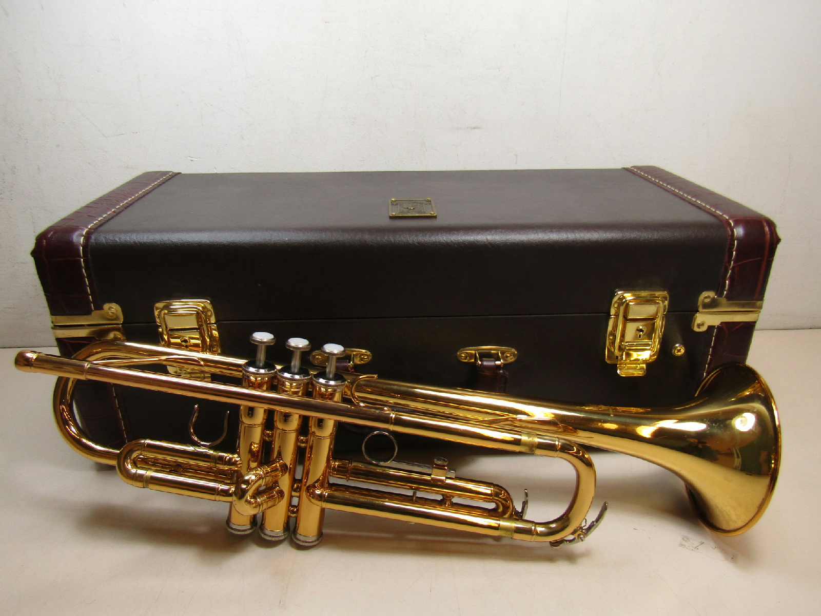 yamaha bb trumpet model ytr2330 with hard case ebay