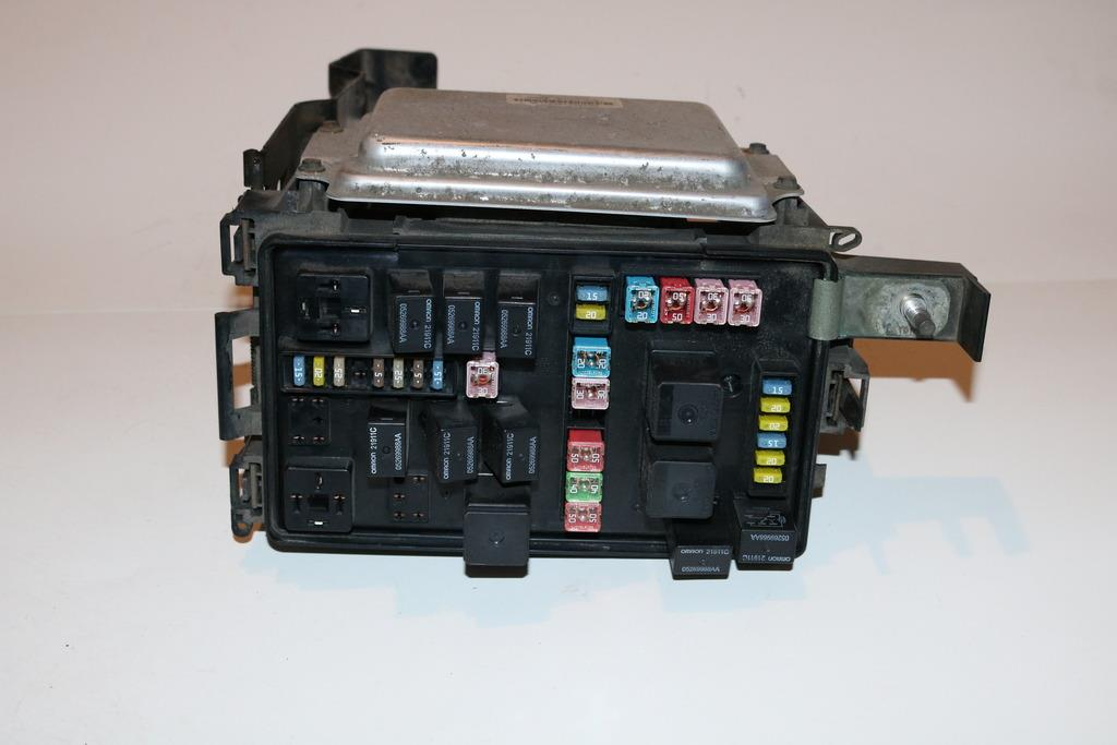 dodge charger fuse box module modern design of wiring diagram • 05 07 dodge cargador rel m dulo de alimentaci n integrada rh com 2010 dodge charger horn relay location 2007 dodge charger fuse manual