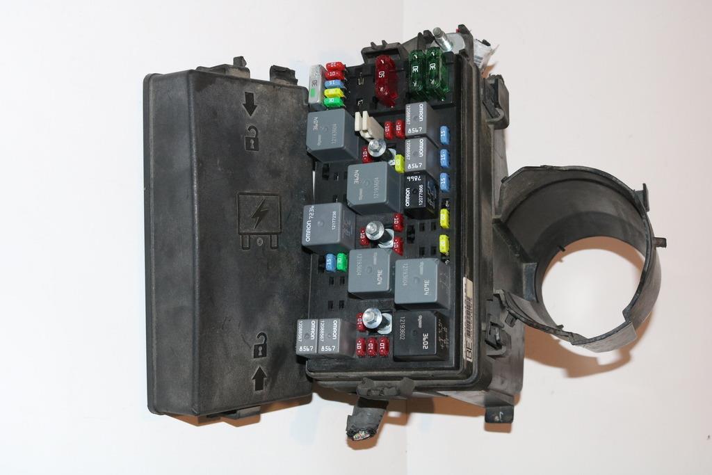 01-03 buick lesabre 3 8l under hood relay fuse box block panel warranty  #2884