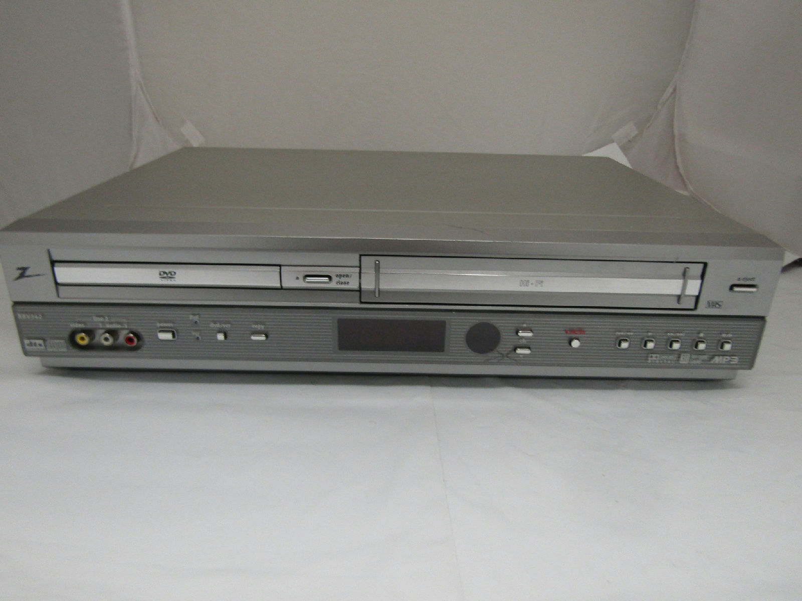 zenith xbv342 vcr cassette dvd player recorder silver tested rh picclick com Zenith Television Manual Zenith Radio Model Numbers
