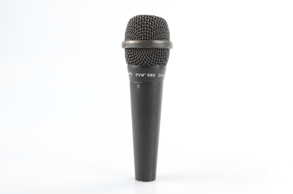 Peavey PVM 880 Diamond Series Hand-Held Hypercardioid Dynamic Microphone #31997