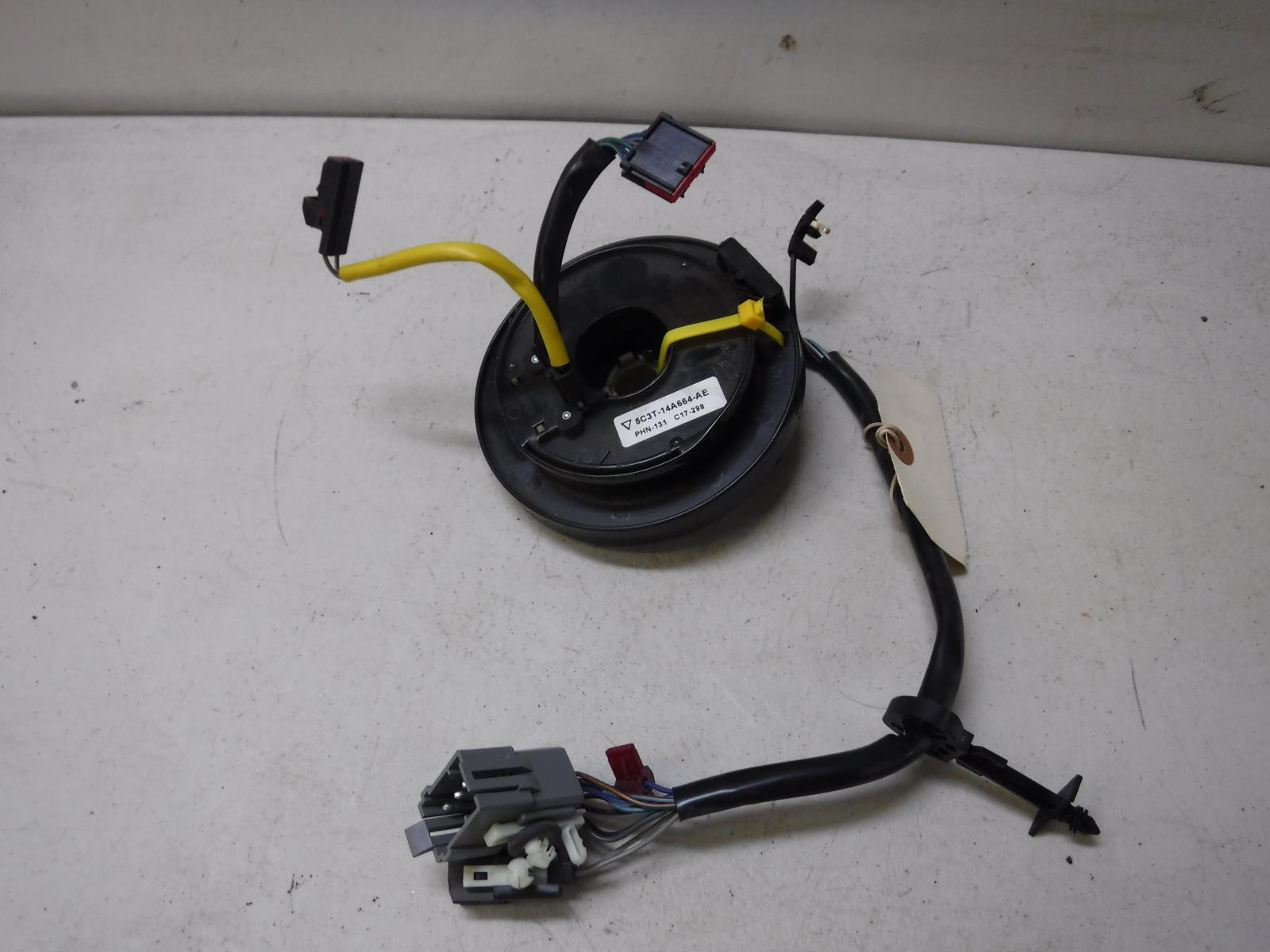 2005 2007 Ford F350 F250 Lariat Steering Clock 5c3t 14a664 Ae Oem Wiring