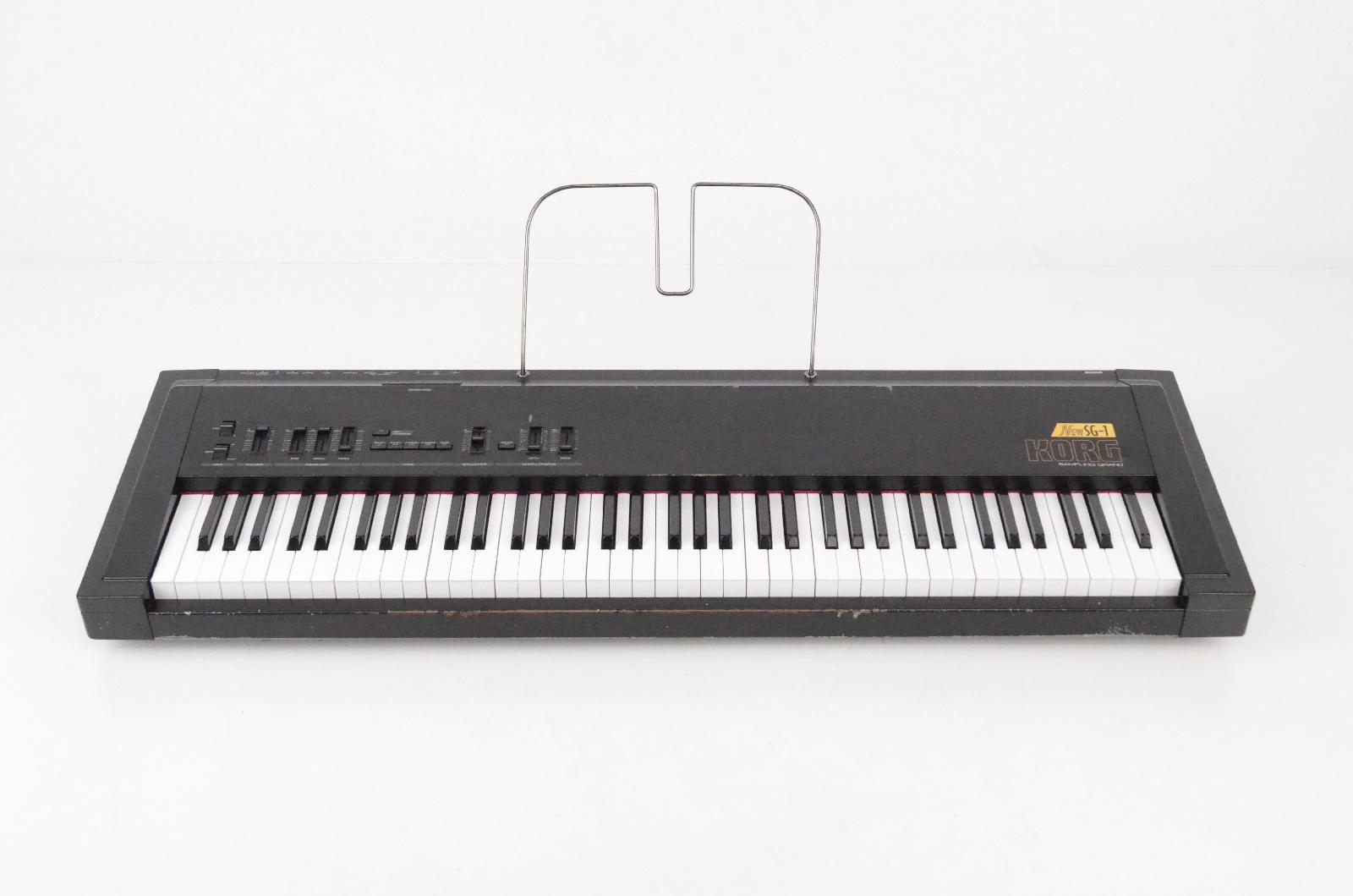 Korg New SG-1 Sampling Piano Keyboard 76 Weighted Keys w/ Case SG1 MIDI #32692