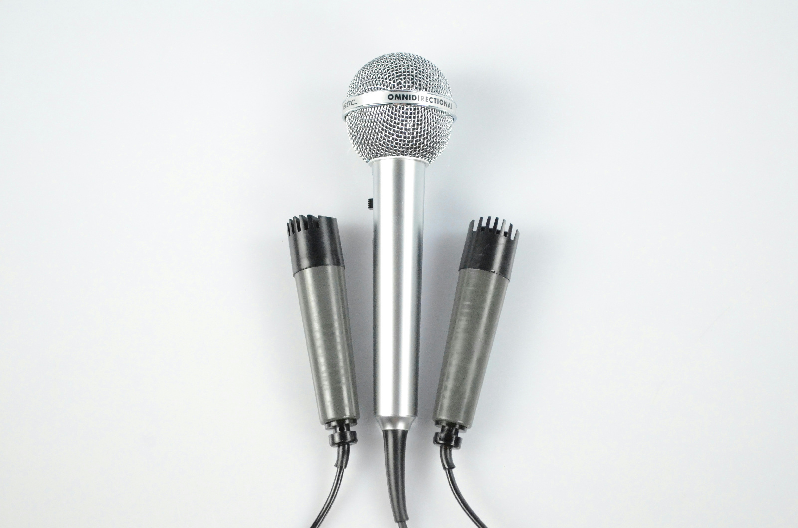 2 Roberts Dynamic 3815 Microphones & 1 Realistic Highball-2 Mic w/ Boxes #32942