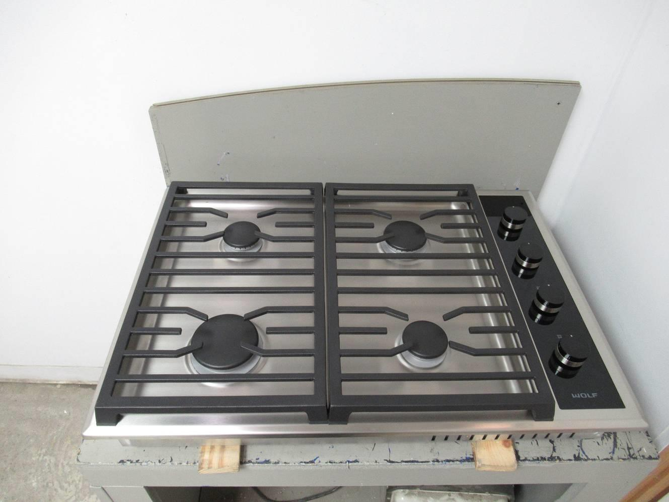 Wolf 30 Inch Ss 4 Dual Stacked Sealed Burners Transitional Gas Cooktop Cg304ts