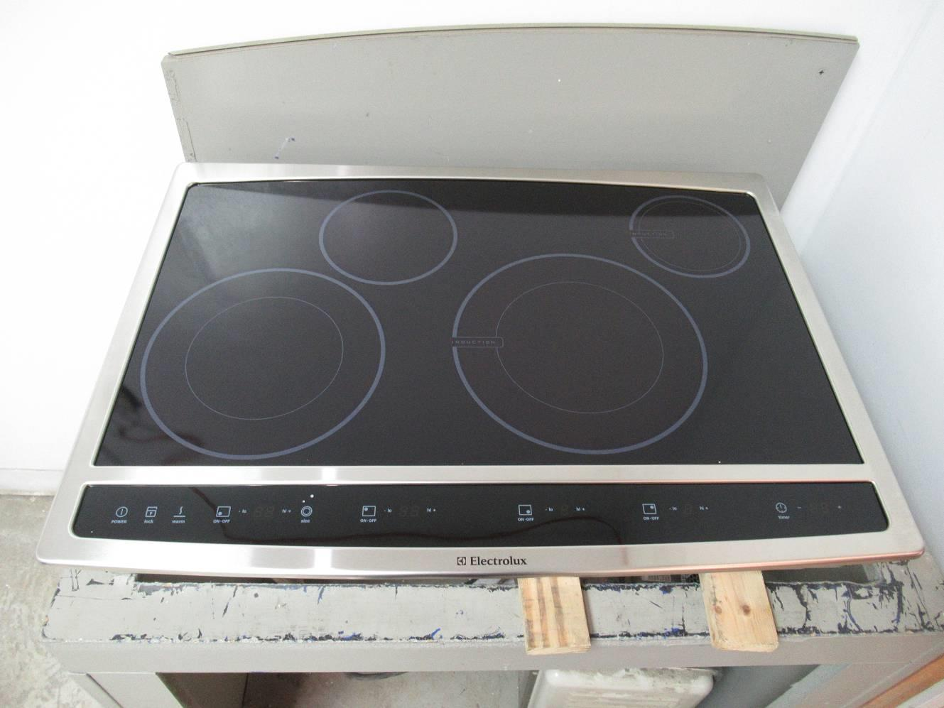 Electrolux 30 Led Display Wave Touch Series Hybrid Blk Induction Ew30cc55gs
