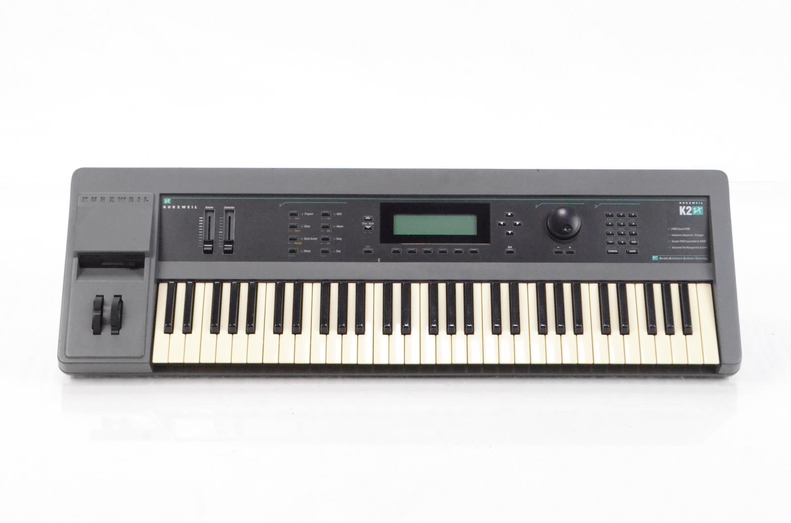 Kurzweil K2000 K2 VX 61 Key VAST Keyboard w/ ATA Flight Road Case #29267