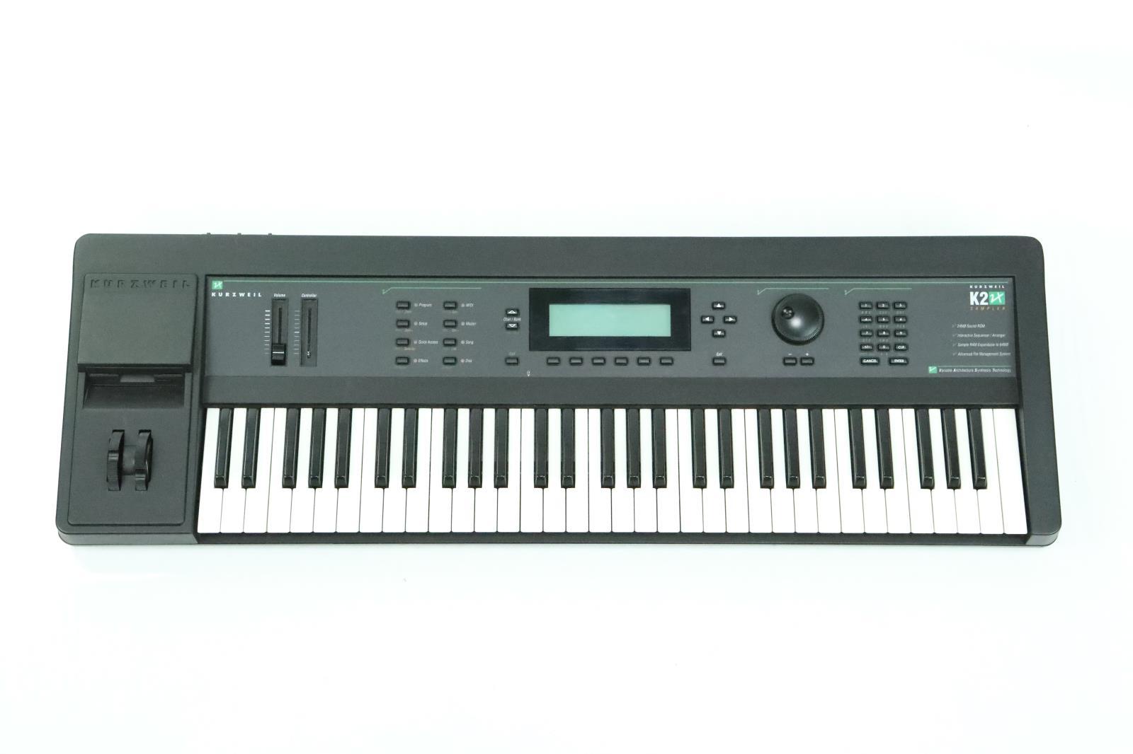 Kurzweil K2000 K2 VX 61 Key Sampler Keyboard w/ SKB Flight Case #33929