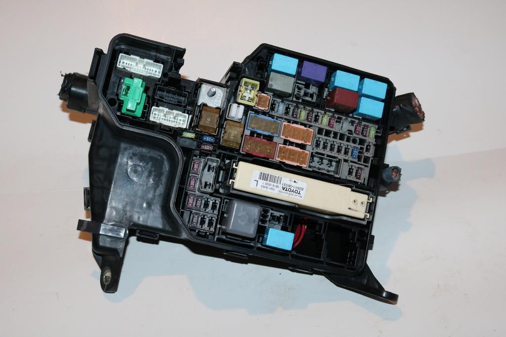 1116 Toyota Sienna 35l Relay Fuse Box Block Panel Warranty 3568 Rhebay: Toyota Relay Fuse Box At Gmaili.net