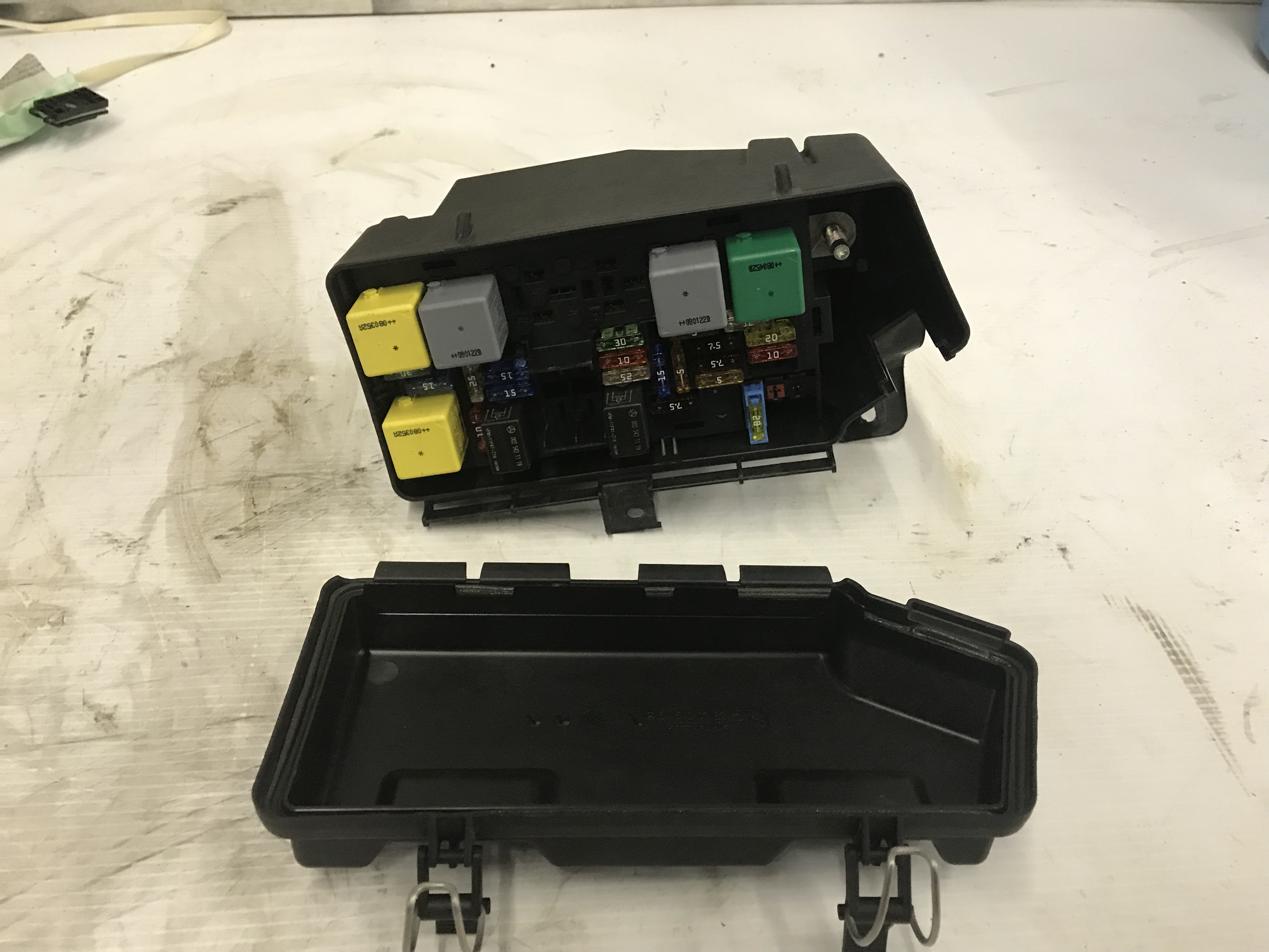 2008 Mercedes Ml320 30l V6 Diesel Fuse Box Engine Relay A164 540 07 2000 Shipping Information