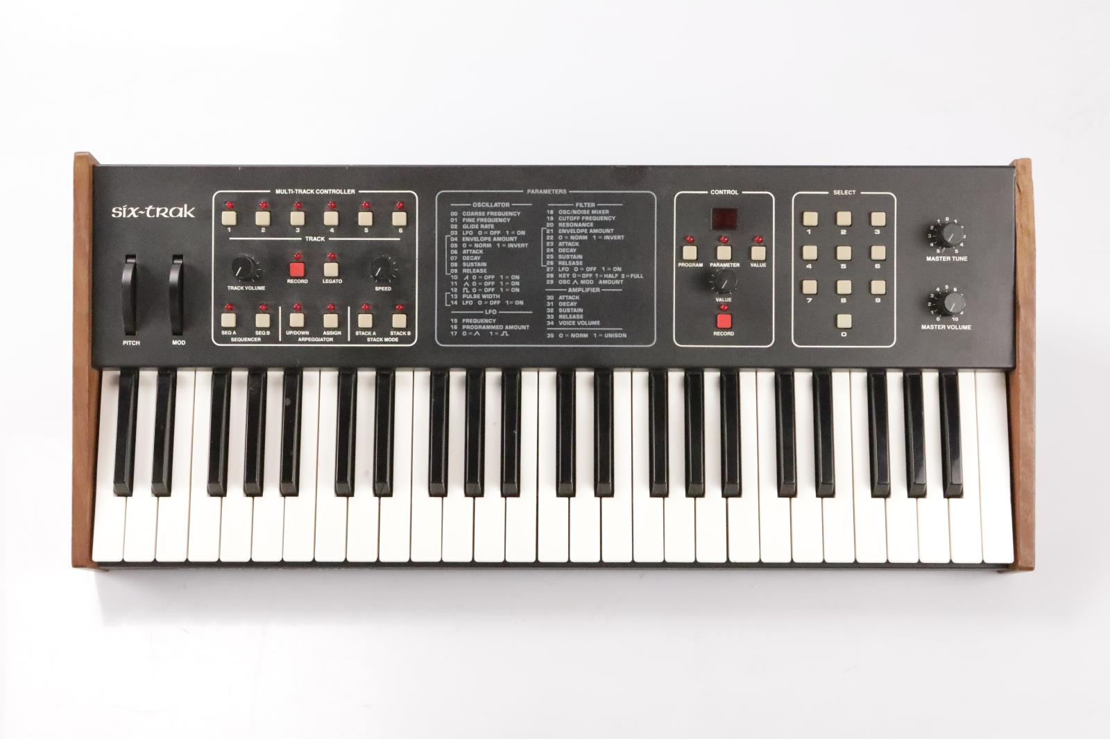 """Sequential Circuits Six-Trak Polyphonic Synthesizer w/ MIDI & 1/4"""" Cables #33771"""
