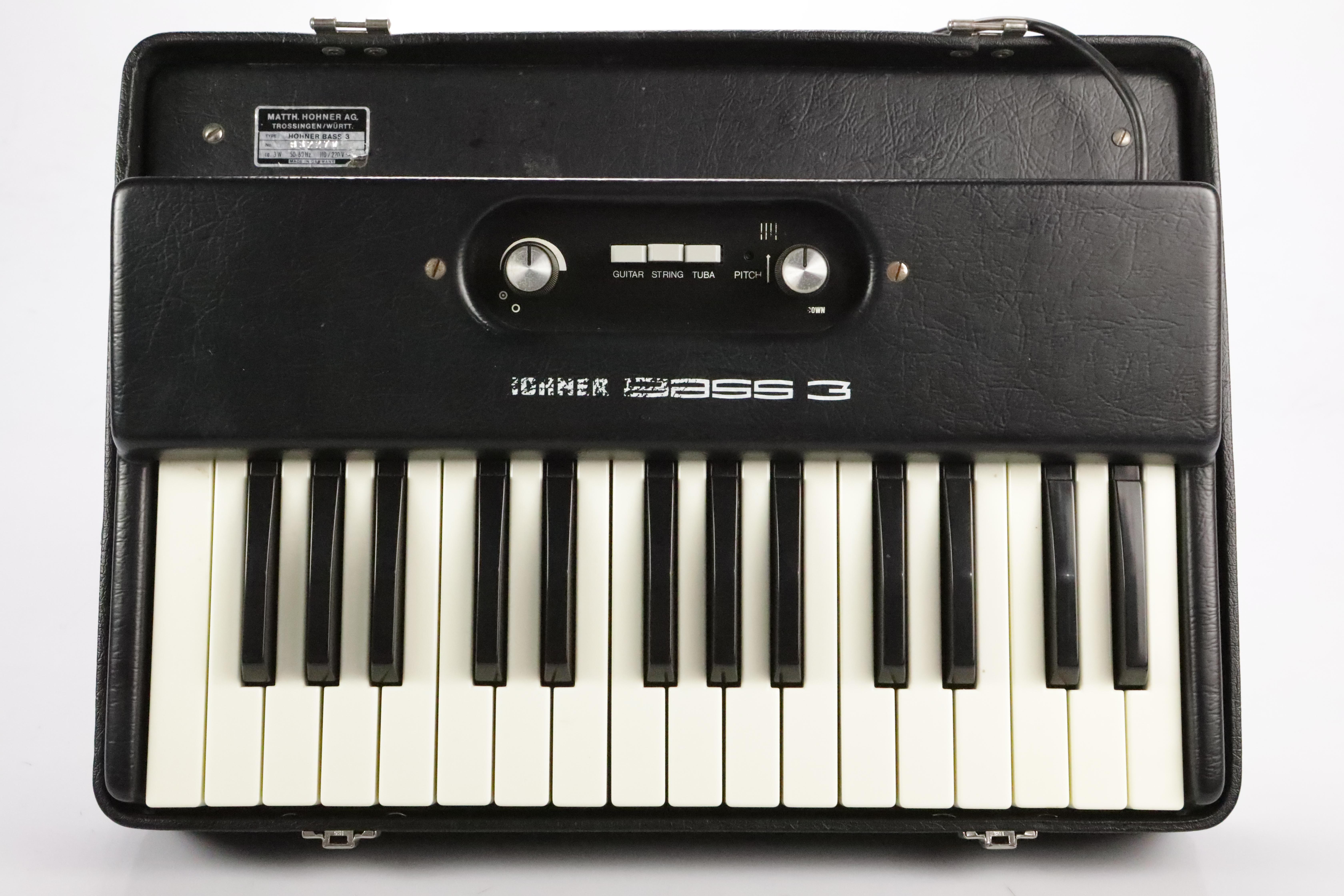 1975 Hohner Bass 3 Analog Synth Synthesizer 220V Euro Plug Keyboard #35154