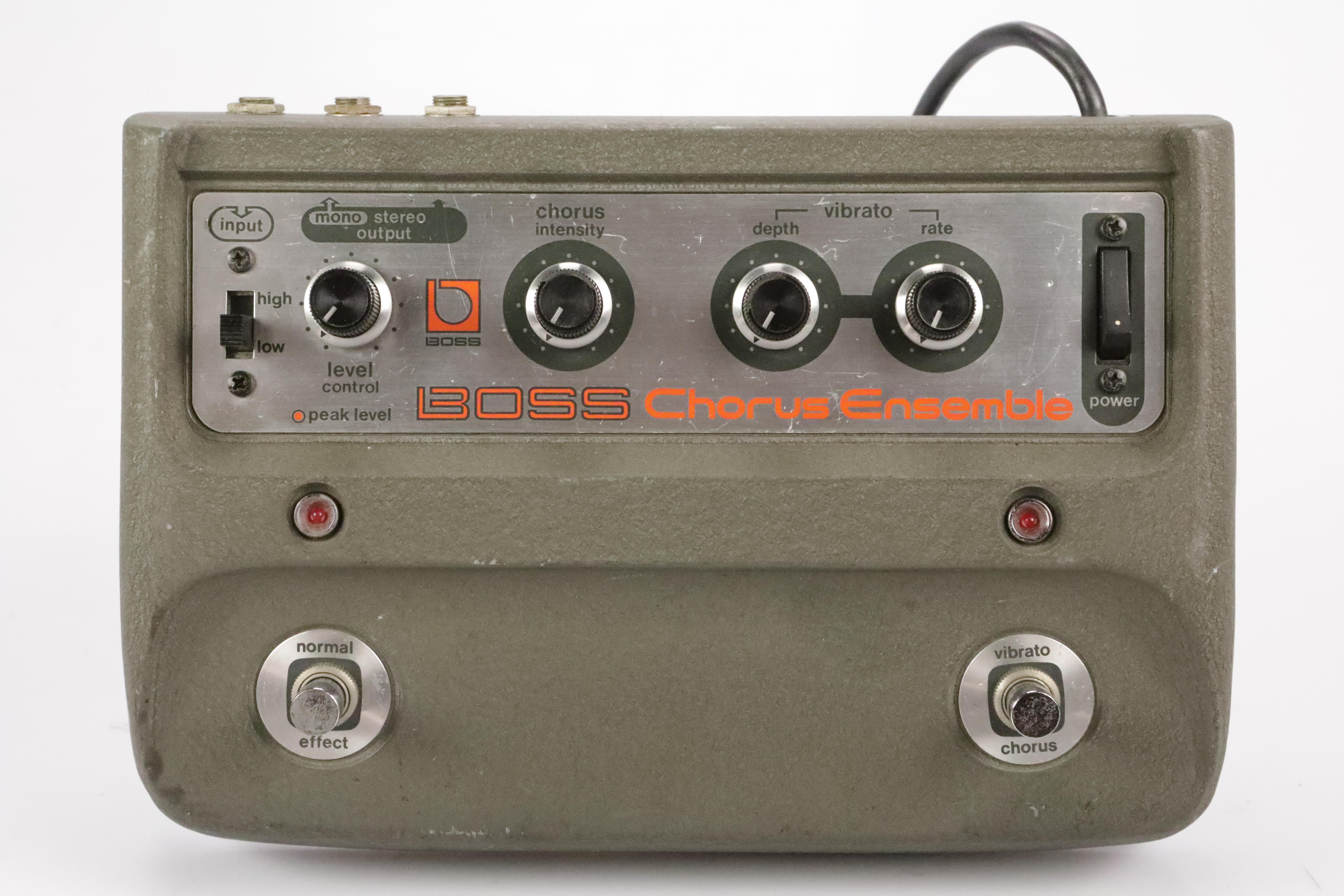 Boss CE-1 Stereo Chorus Ensemble Effect Pedal w/ 2 Guitar Cables #34472