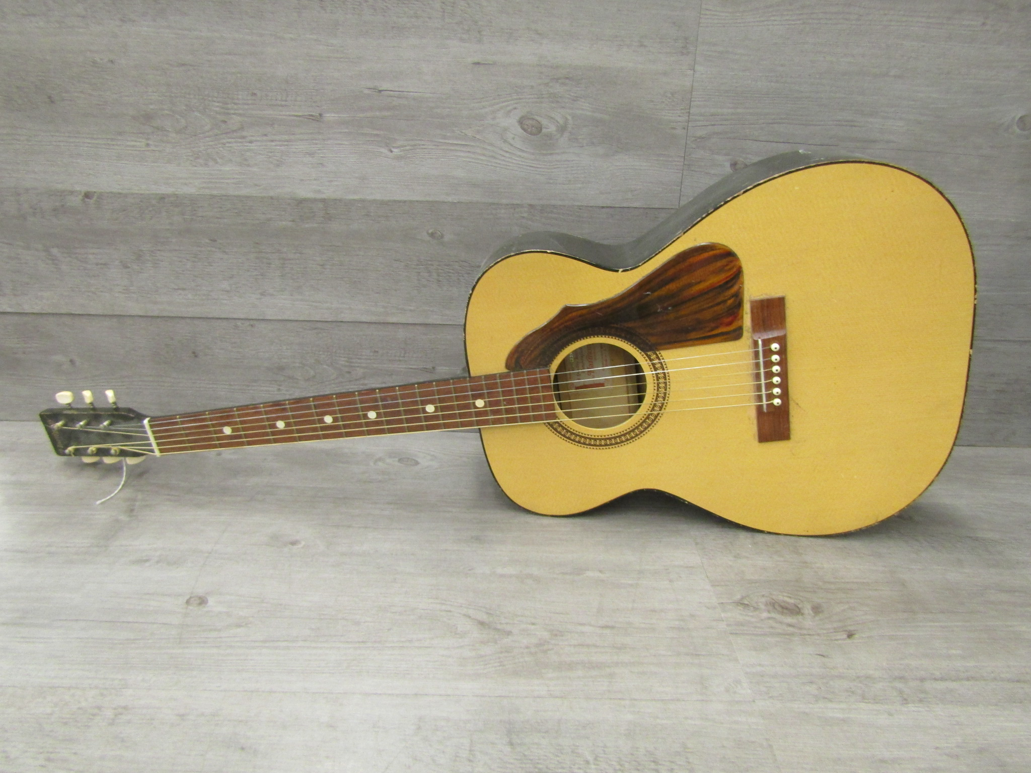 harmony acoustic guitar model 319 made in the usa 7821h1239 for parts or repair ebay. Black Bedroom Furniture Sets. Home Design Ideas