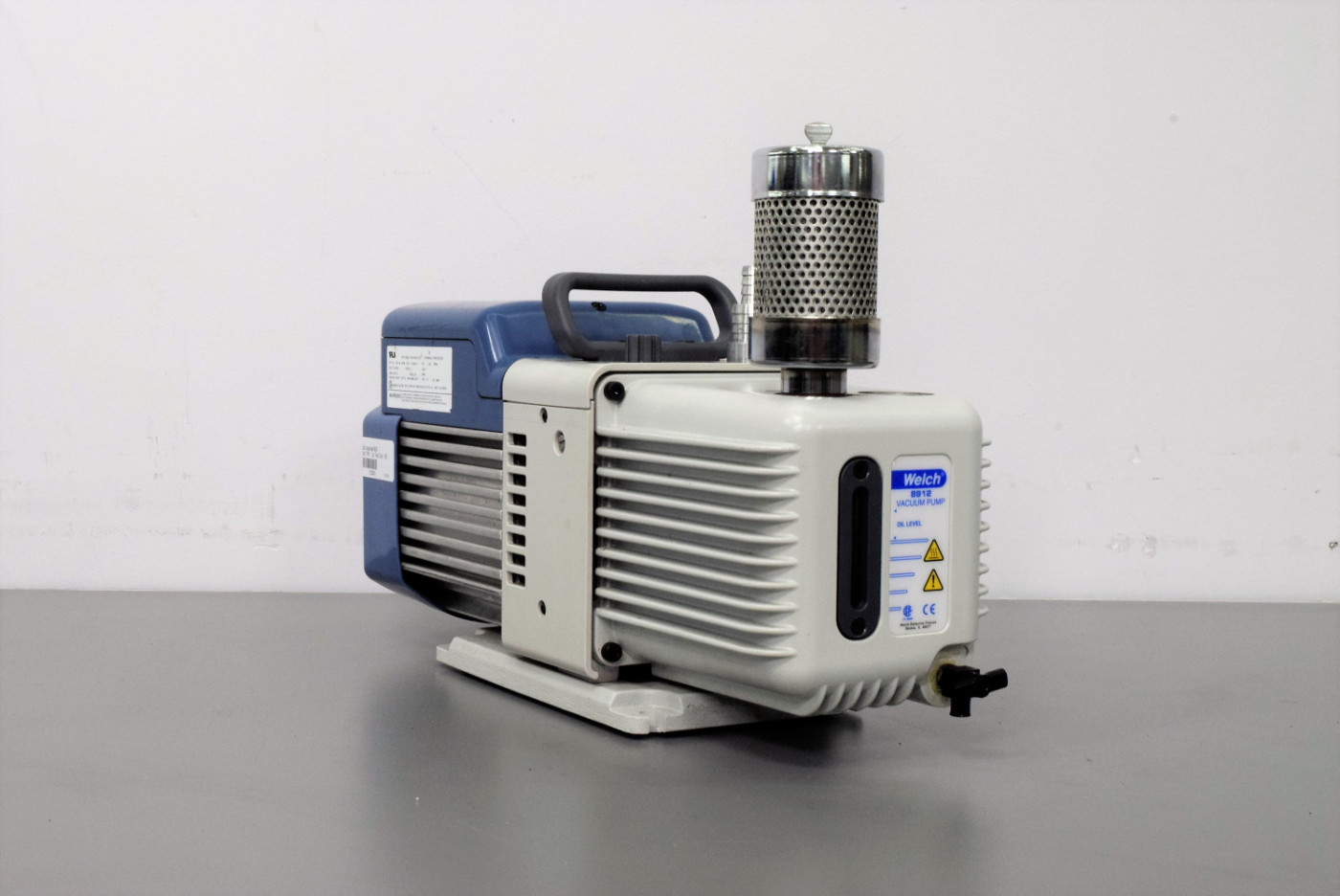 Welch 8912A Vacuum Pump ½ HP 1725 RPM 55 Microns Emerson Motor D06C Warranty