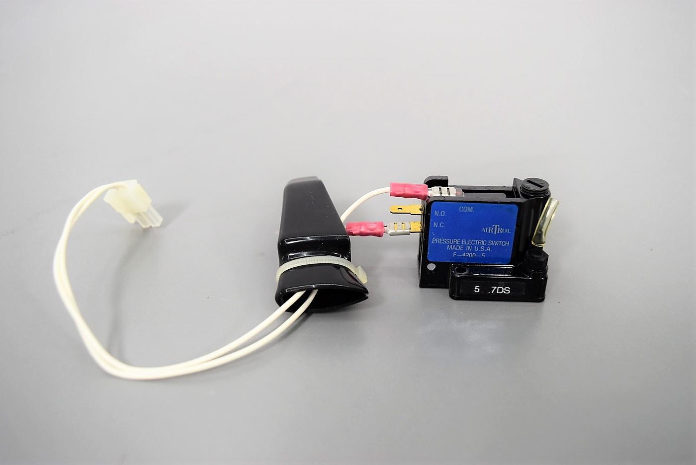"Airtrol F-4200-0.5 Pressure Electric Switch Range .05-.5PSI 1//8/"" NPT Max 15PSI"