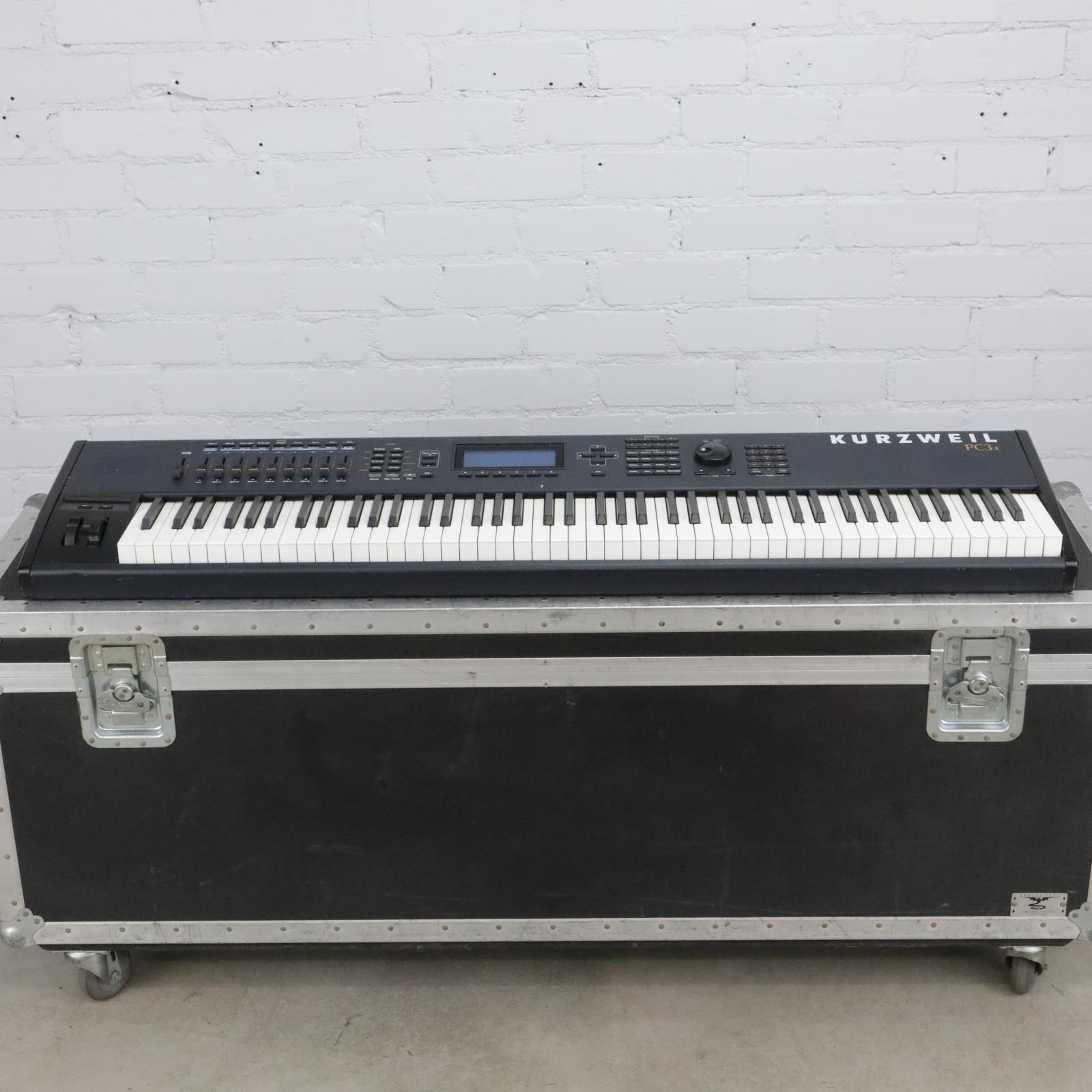 Kurzweil PC3x Electronic Keyboard w/ Case & Sustain Expression Pedals #40698