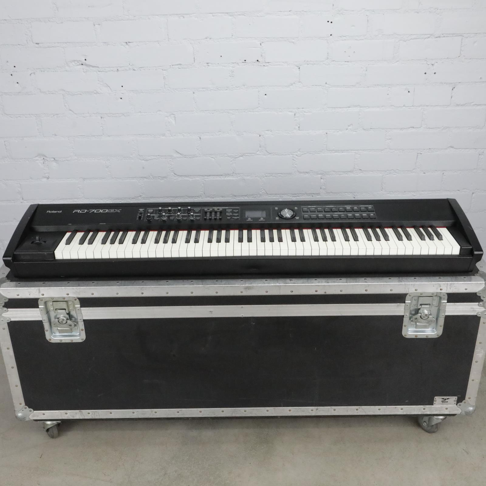 Roland RD-700GX 88 Note Keyboard w/ Case & EV-5 Expression Sustain Pedals #40697