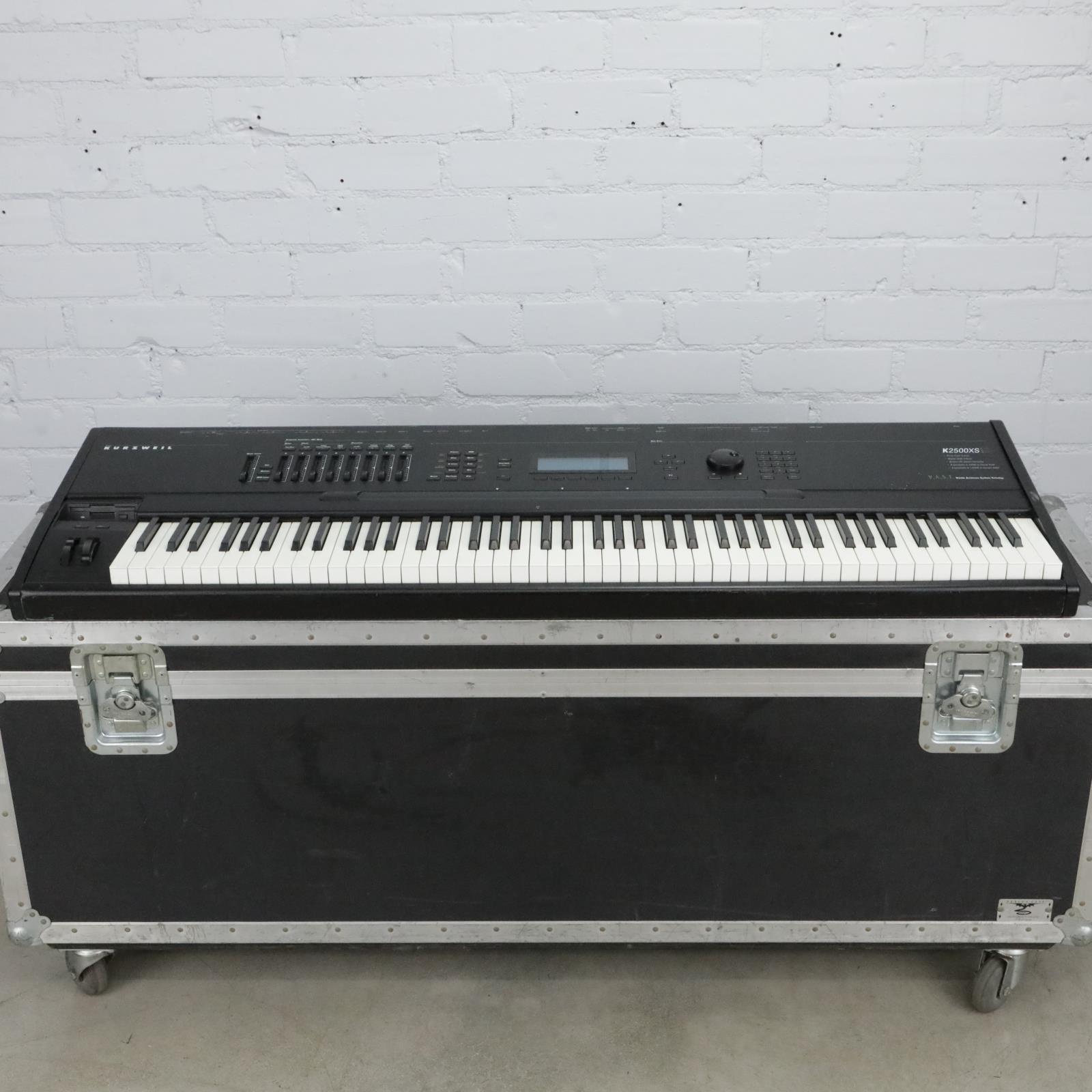 Kurzweil K2500XS 76-Key Keyboard Synthesizer Workstation #40710