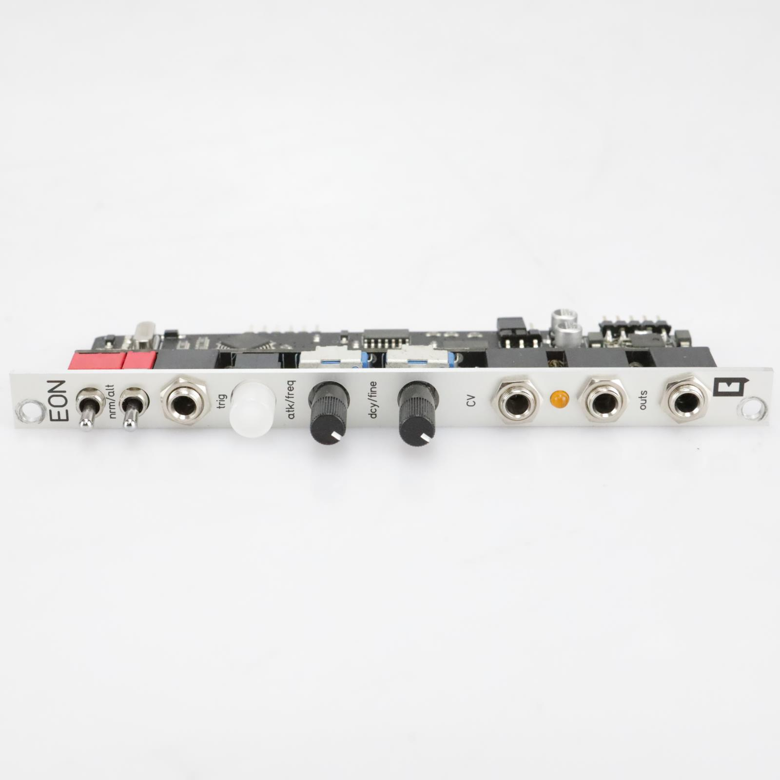 Qu-Bit Eon Envelope, Oscillator, Noise Generator Eurorack Module #40825