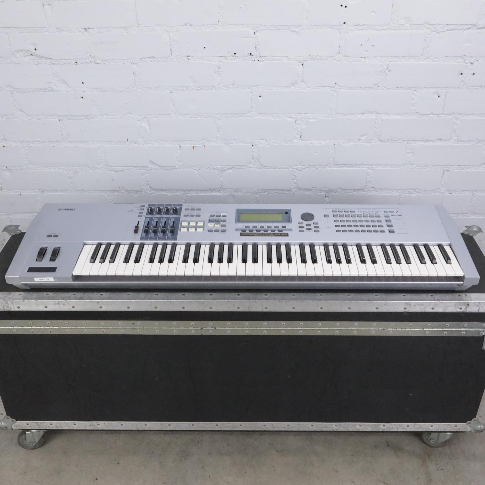 Yamaha Motif ES7 76-Key Music Production Synthesizer w/ A&S Road Case #42433