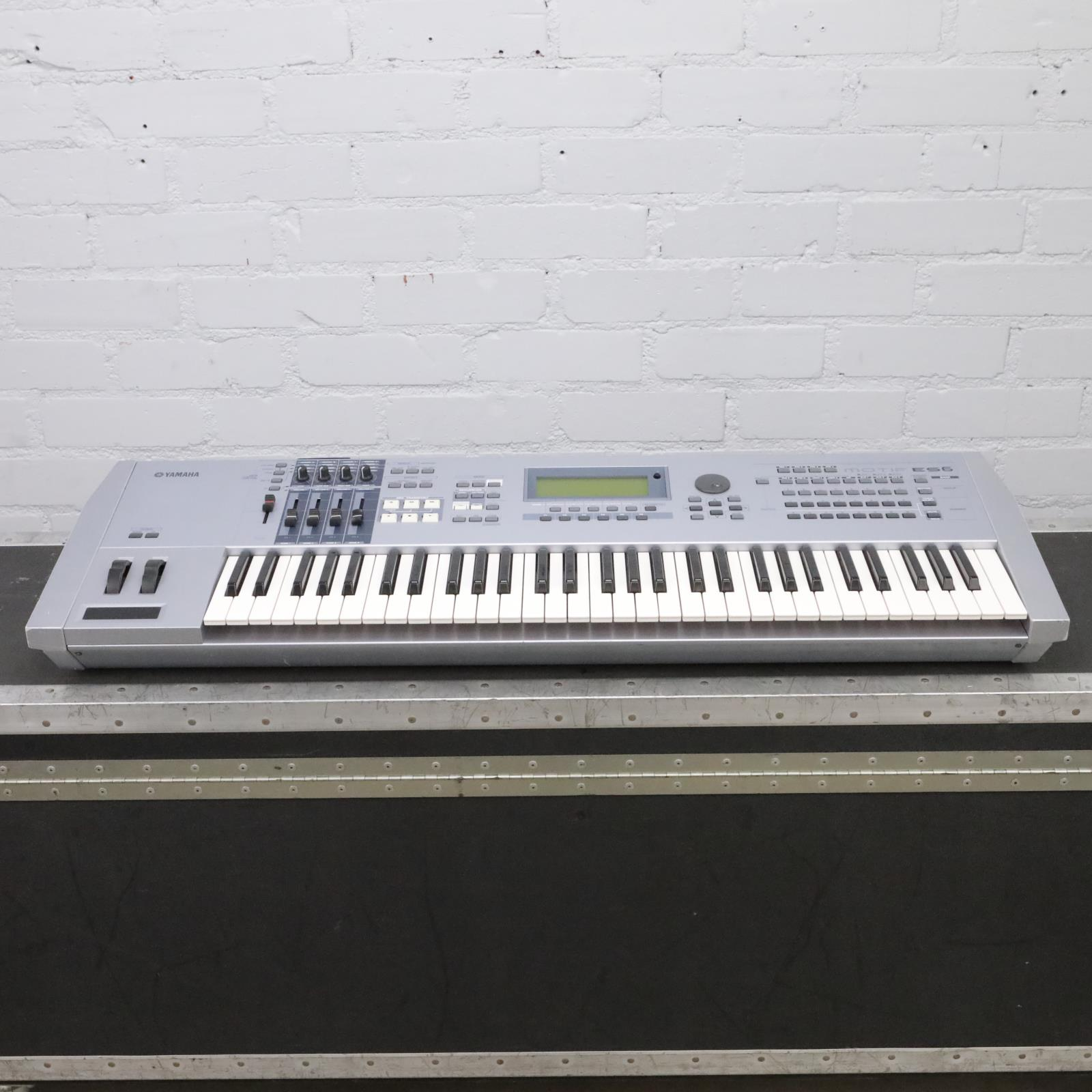 Yamaha Motif ES6 61-Key Music Production Synthesizer w/ Yamaha FC7 Pedal #44032
